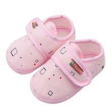 Load image into Gallery viewer, Baby Shoes I Love PaPa&MaMa Letter Printed Soft Bottom Footwear Heart-shaped 0-18M Newborn First walker