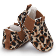 Load image into Gallery viewer, PU Leather shoes Newborn baby girl heart autumn lace Leopard first walker sneakers shoes toddler classic casual shoes