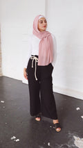 Ruffle Top Wide Leg Pants -  Modelle