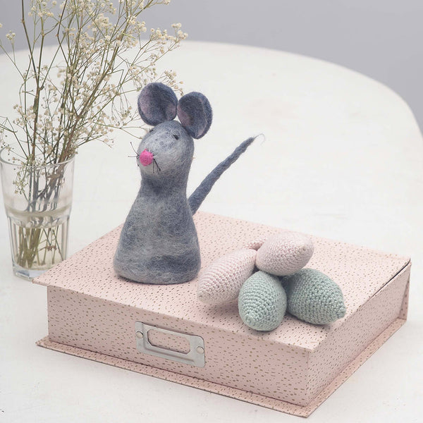 baby's room decor toy mouse