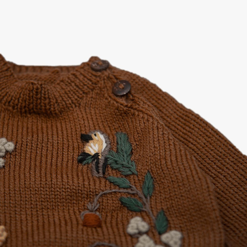 detail picture of woodland sweater caramel