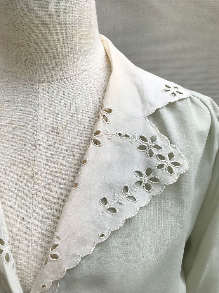 Embroidery Collar Classic Blouse