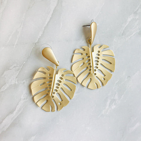 """Mat Gold Monstera"" ピアス"