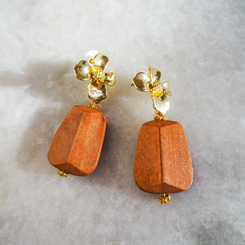 """Wood&Flower Stud"" ピアス"