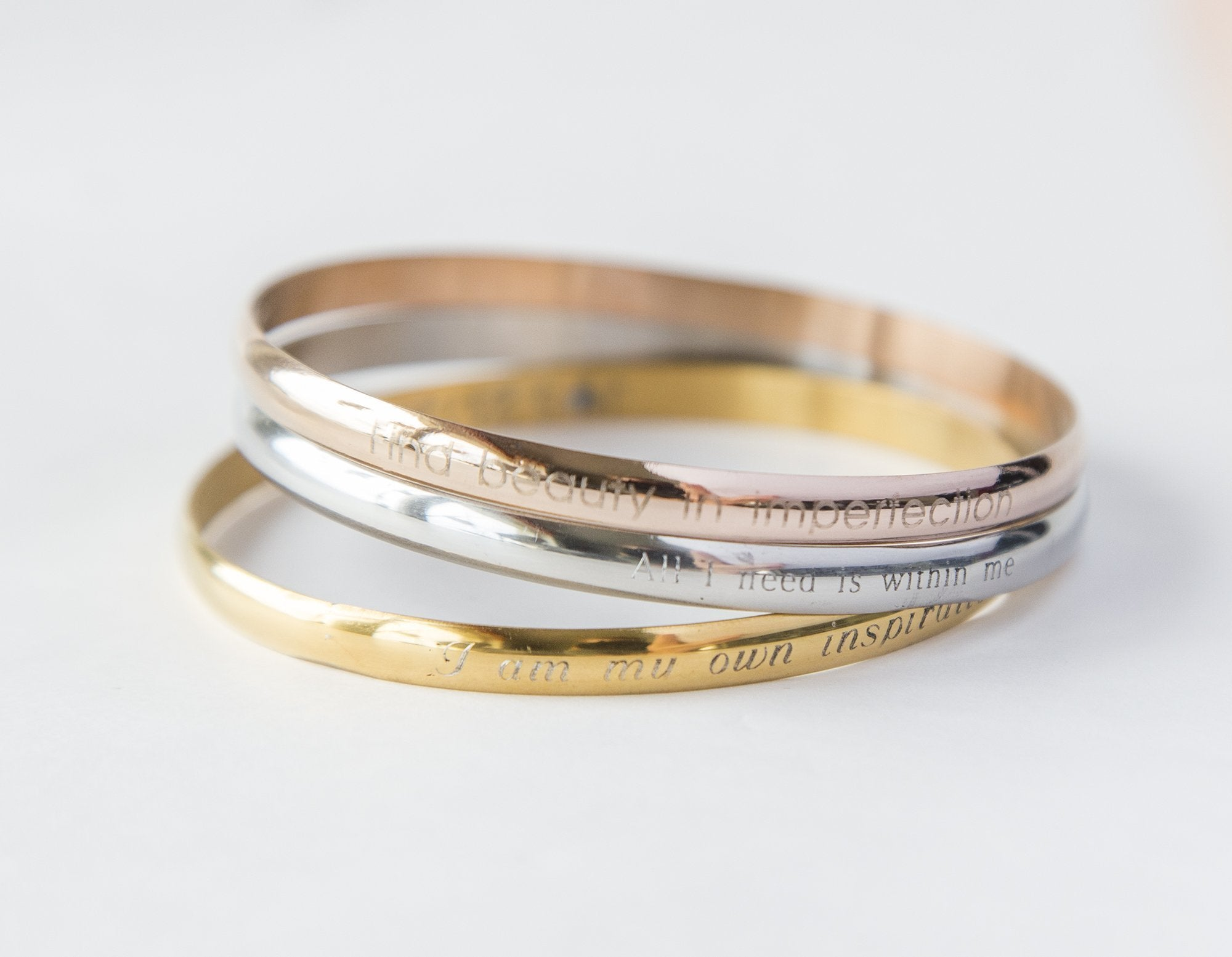 Engrave Your Own Personalized Bracelet - Delicate Bracelet with Round Edges - Studio Cosmica