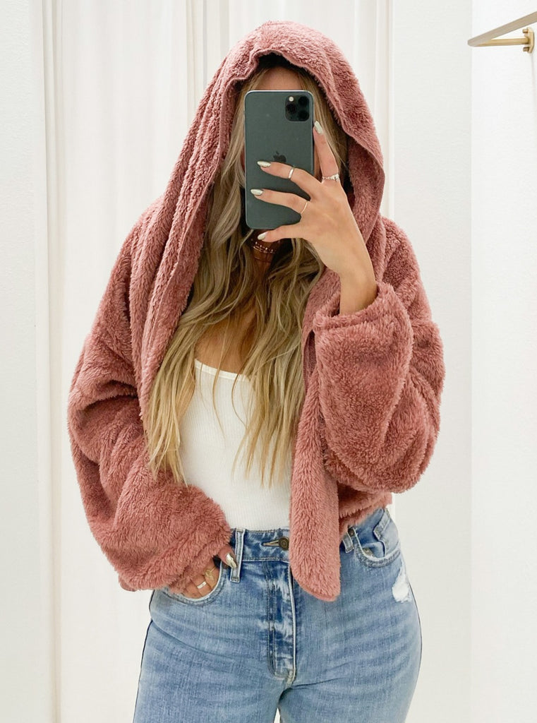 Cropped Mammoth Throw Jacket in Rose
