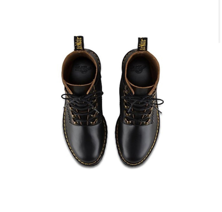 Leona Vintage Smooth by DR. MARTENS