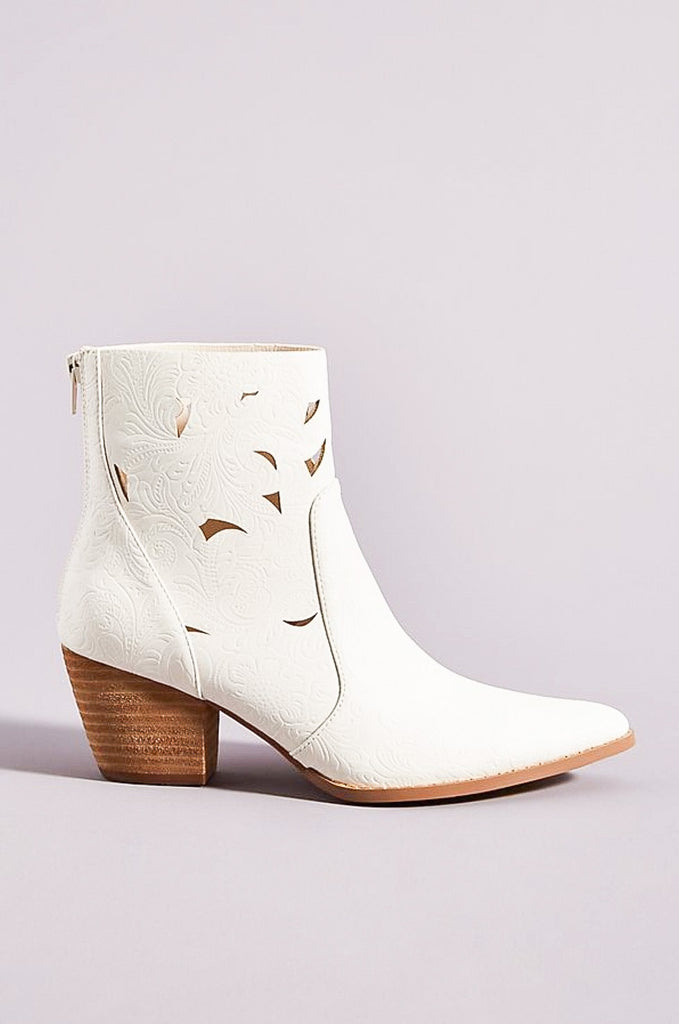 Acacia Boots in White by MATISSE