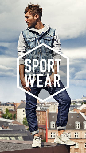 tenue et look de style sports wear