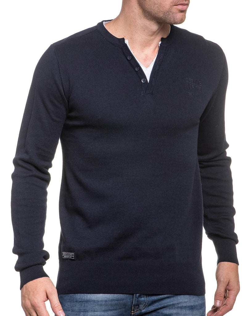 Pull fin bleu navy double col V