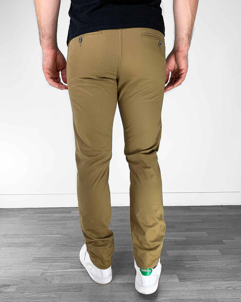 Pantalon chino slim stretch marron camel pour homme