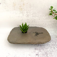 Load image into Gallery viewer, Frog slate vase medium plus with succulent