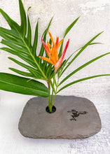 Load image into Gallery viewer, Frog slate vase medium plus with arrangement
