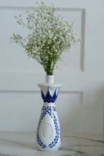 Load image into Gallery viewer, azul tequila vase