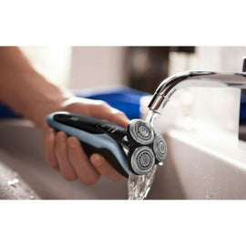 Philips Series 9000 Wet and Dry Electric Shaver With SmartClean Plus S9211