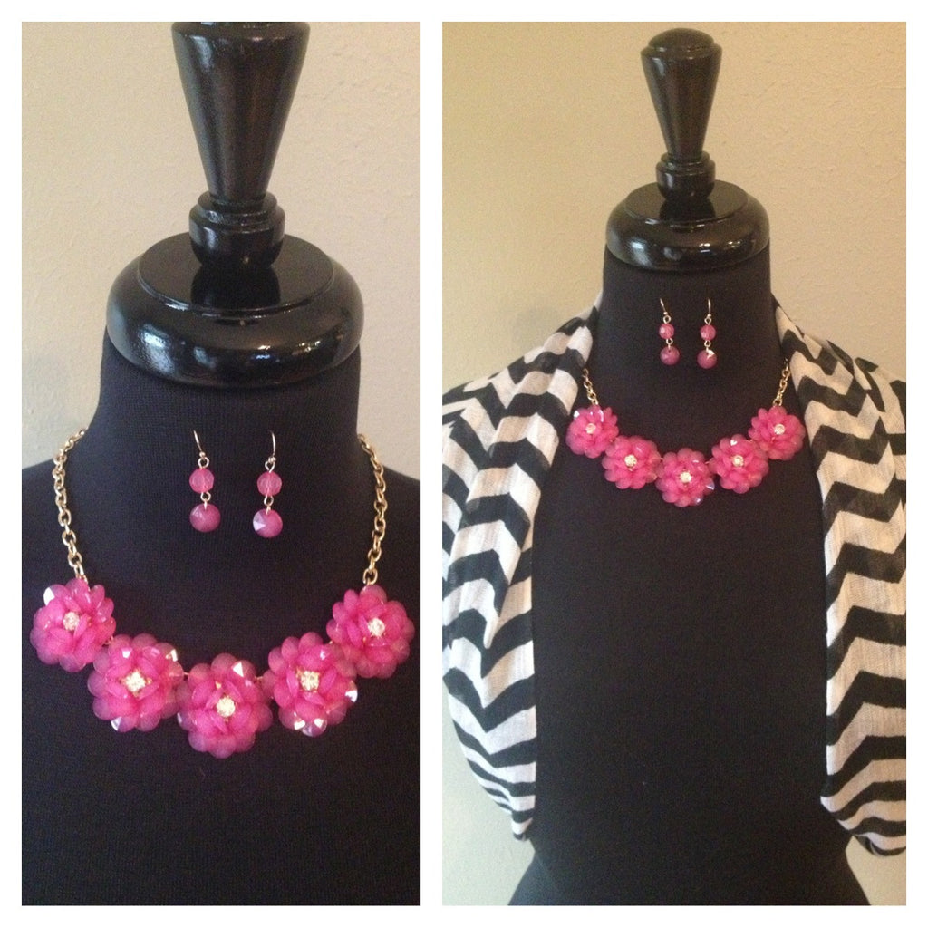 Fushia & Gold Necklace w/Earrings
