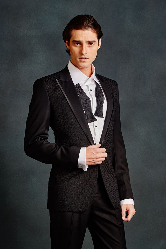 Embroidered Tuxedo Jacket(Aari)