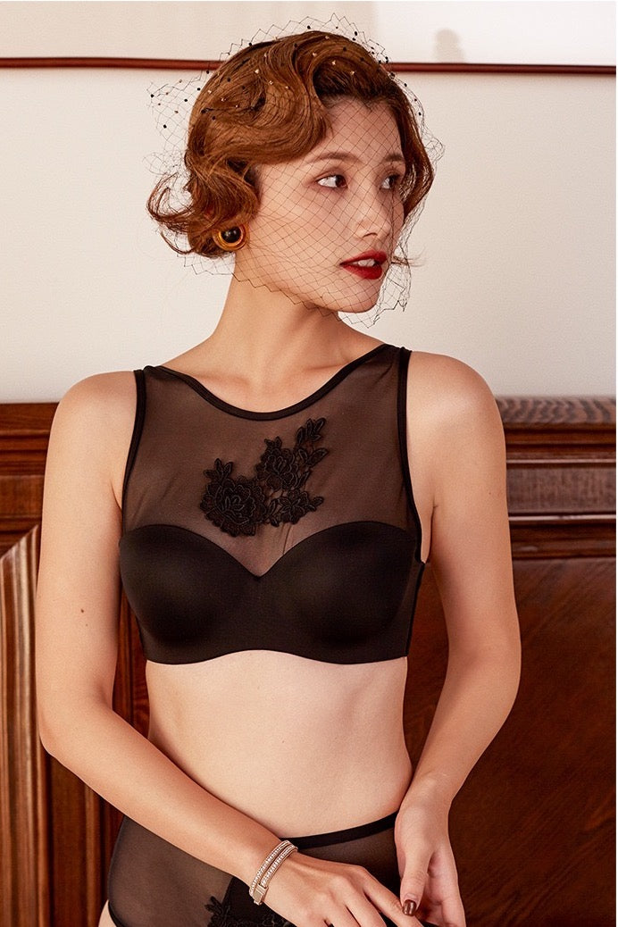 Tiffany's Black lace Underwire bra