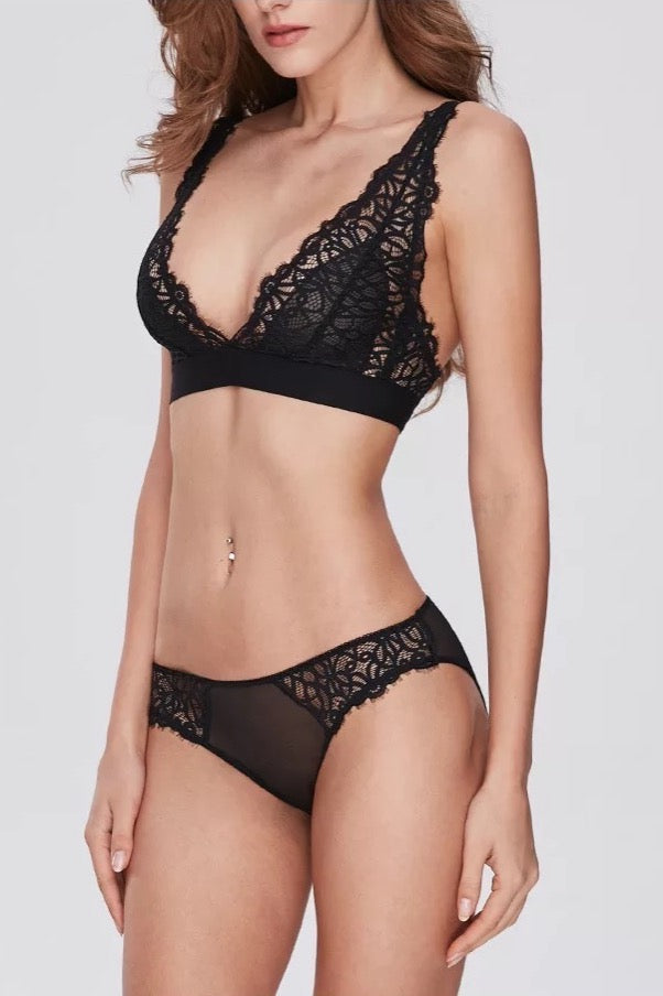 Anchor woman Black Bralette