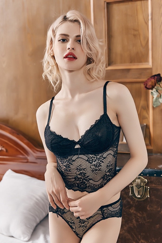 Tailored black Long-line underwire bra