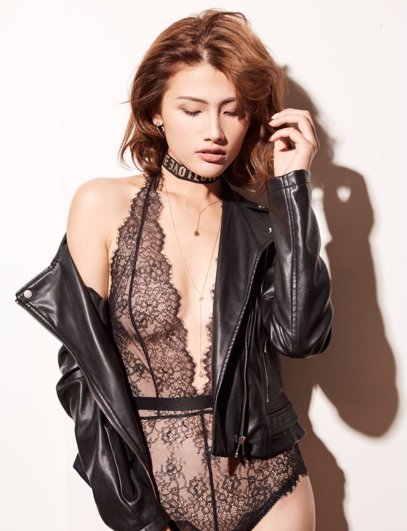 Pluma Black lace bodysuit