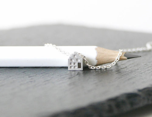 BLIJ - HAPPY / miniature dutch house necklace in sterling silver
