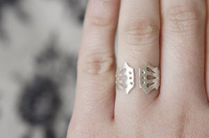 LINGERIE RING 003 / hand-pierced adjustable ring in sterling silver