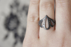 LINGERIE RING 004 / hand-pierced ring in sterling silver