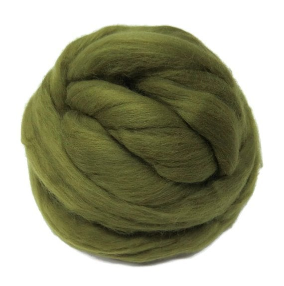 Superfine wool roving ,Color: Olive