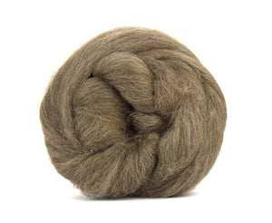 Baby Llama  Undyed Luxury roving, color: Light Brown