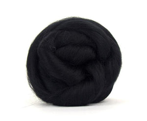 Baby Llama  Undyed Luxury roving, color: Black
