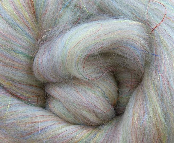 Merino Trilobal wool roving blend, color: Twinkling Lightning