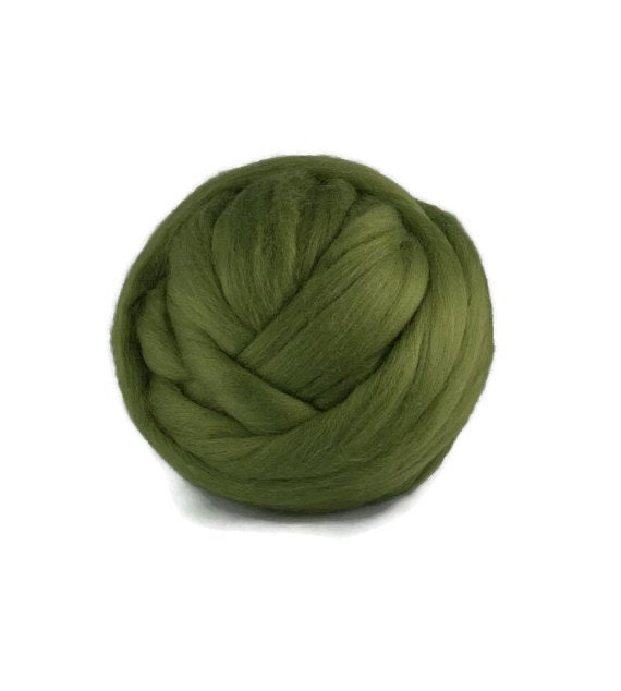 Superfine  wool roving 19 microns ,Colour: Ivy