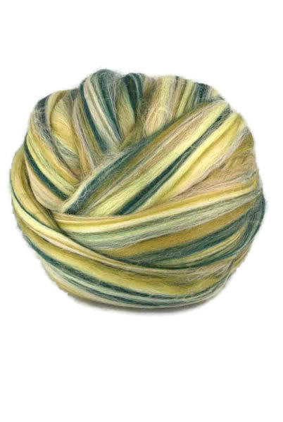 4 oz merino roving 19 microns ,colour blend (Scotland)
