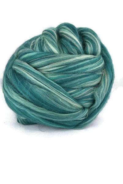 merino wool roving 19 microns, 4 oz ,color Mojito