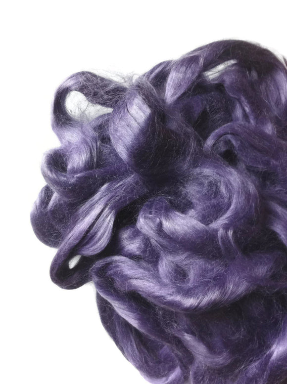 Ramie Roving : Ramie fibers in tones of Violet