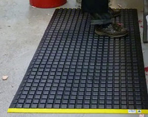 ANTI FATIGUE MAT BIG POD(1600X900MM )