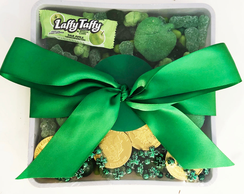 St Patricks Day Candy 7x7 Tray with Bow