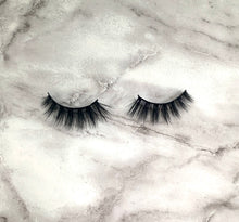 Load image into Gallery viewer, Purple Cosmetics Coldest Winter 3D Lashes