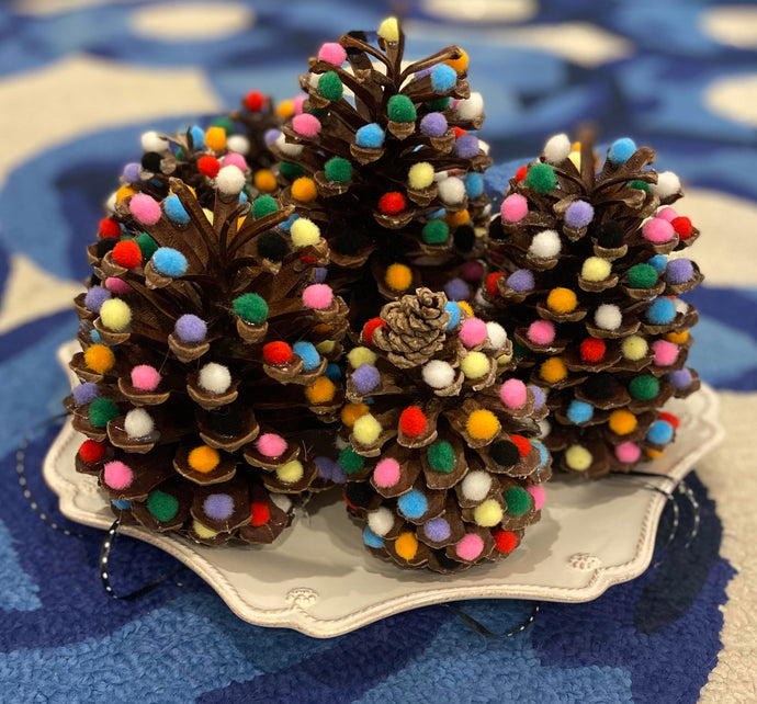 It's a pine cone Christmas!