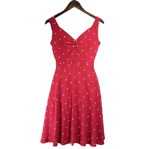 robe courte rouge ideal avec collants a pois