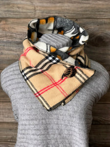Classic Burberry Plaid Neckarmer