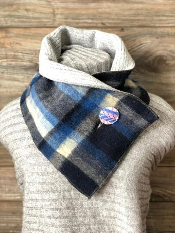 Calm & Comfortable Blue and Grey Neckwarmer