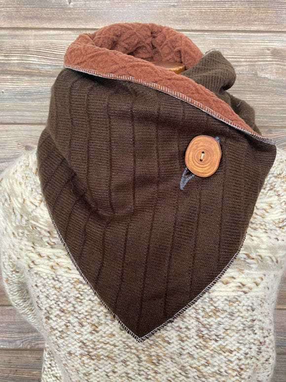 Brown lines Neckwarmer
