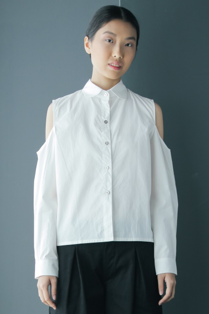 Back Panel Cold Shoulder Cotton Shirt in White