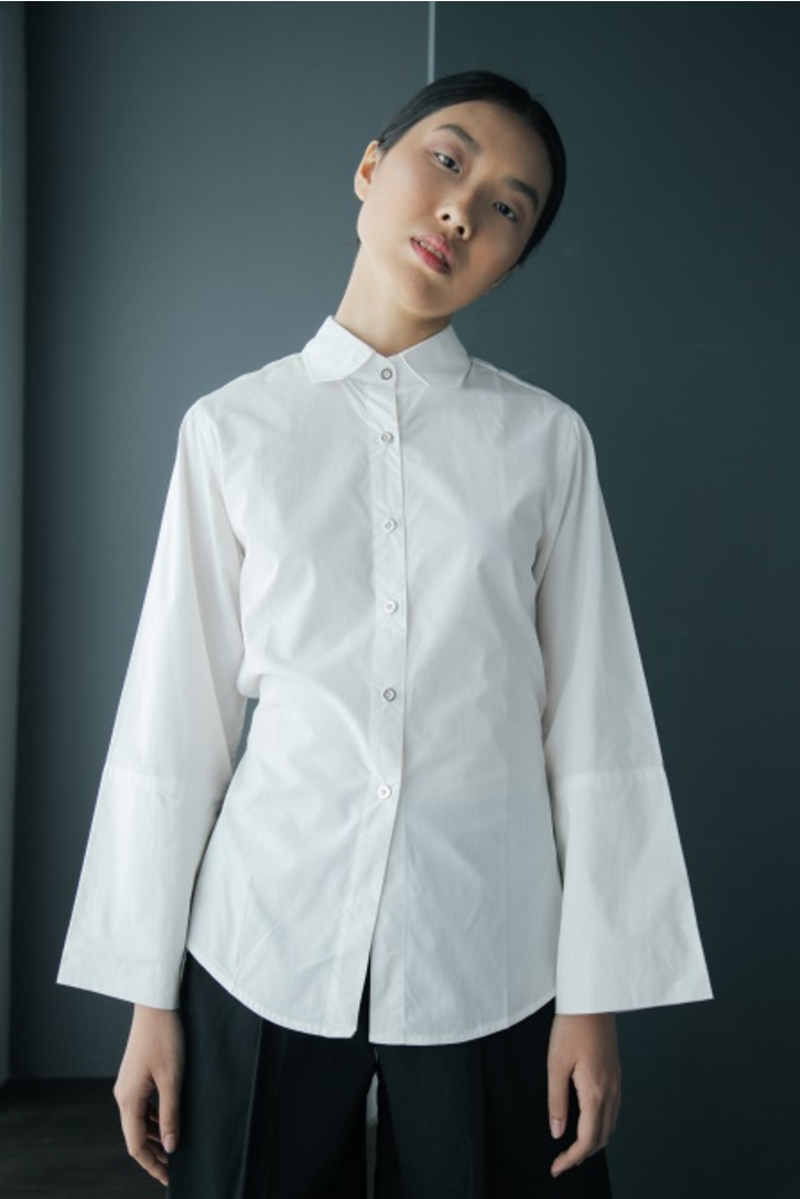 Backless Cotton Shirt with Tie Fasteners