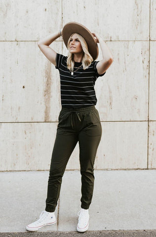 labor day outfit, striped tee with joggers. www.loveoliveco.com