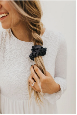 Scrunchies are a great gift for any woman. www.loveoliveco.com/blogs
