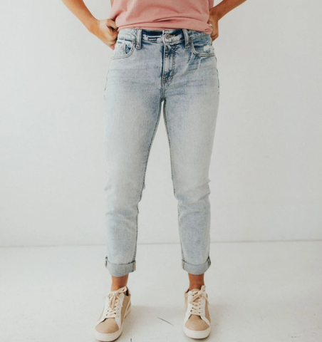 white washed jeans comfortable and stylish for the young college student. www.loveoliveco.com