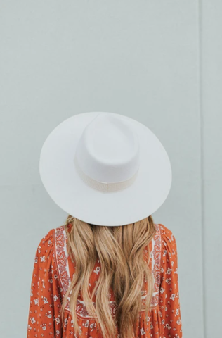 white wide-brimmed hat for fall. www.loveoliveco.com